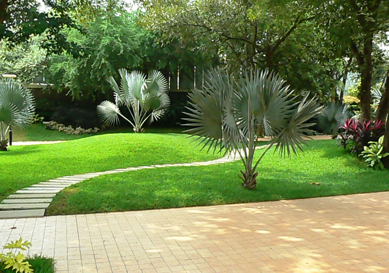 Landscape architecture projects landscape garden design for Kerala garden designs